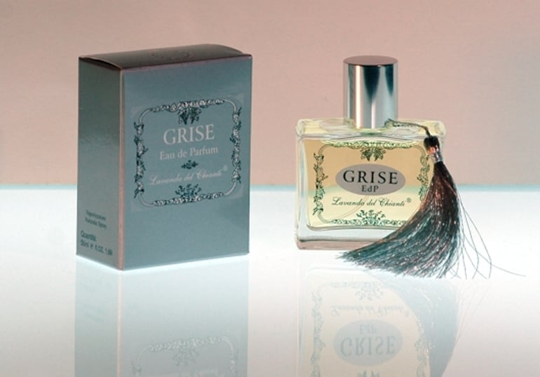 Very fine fragrance with a citrus scent of hesperids