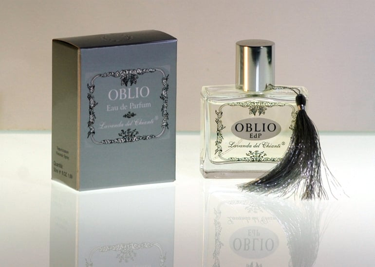 Incense and oriental resins are the ingredients of this perfume