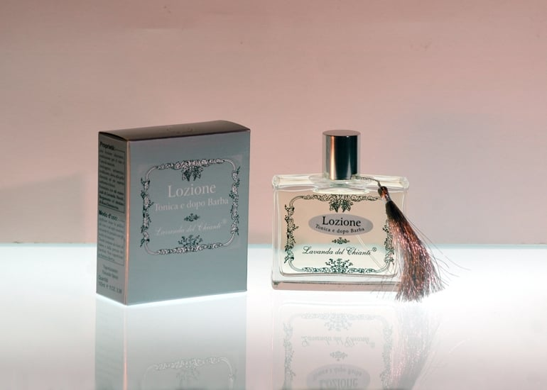 Aftershave alcoholic lotion